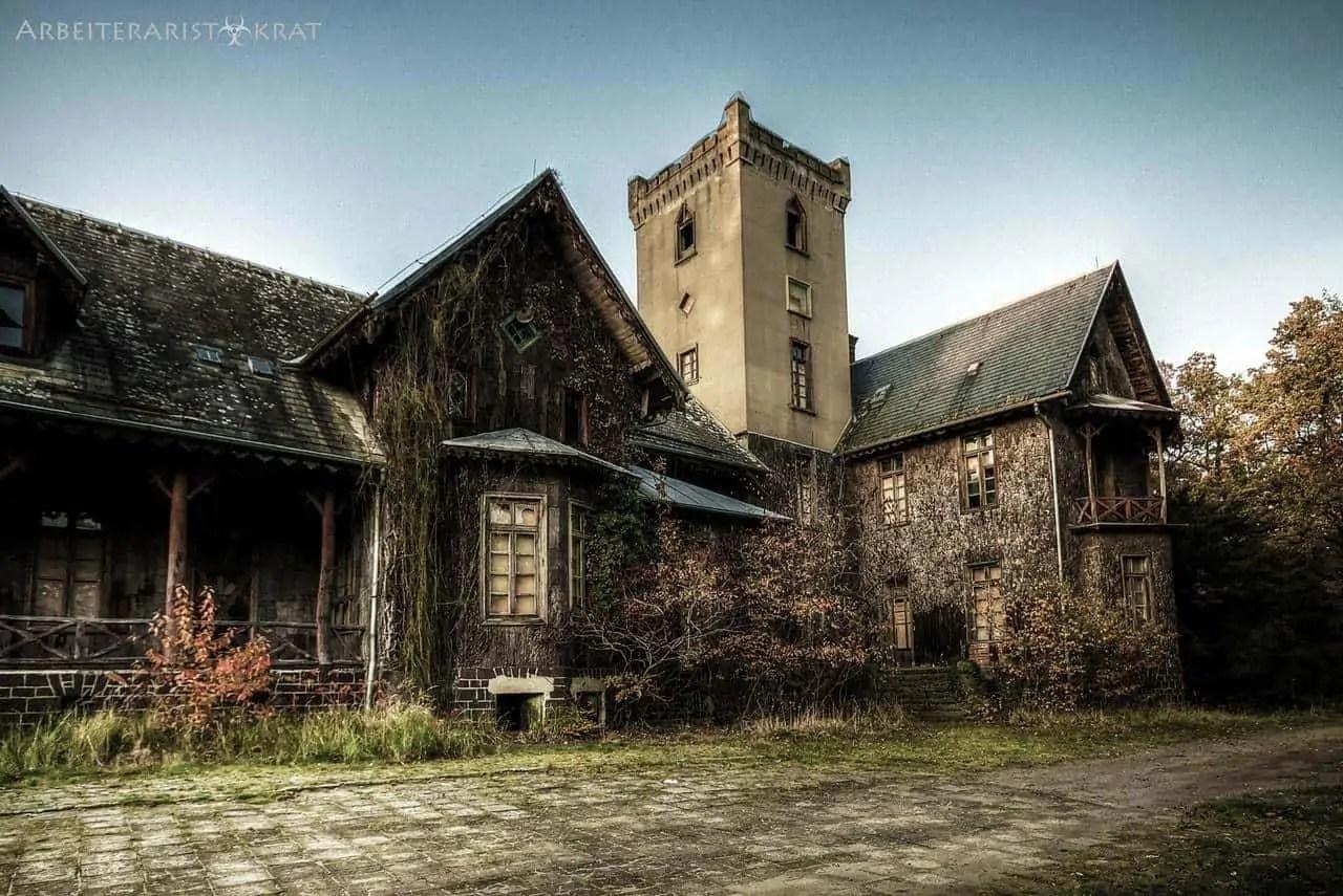Verwunschene Schlösser und märchenhafte Kirchen auf unserer Urbexplorer Lost Places Fototour in Polen