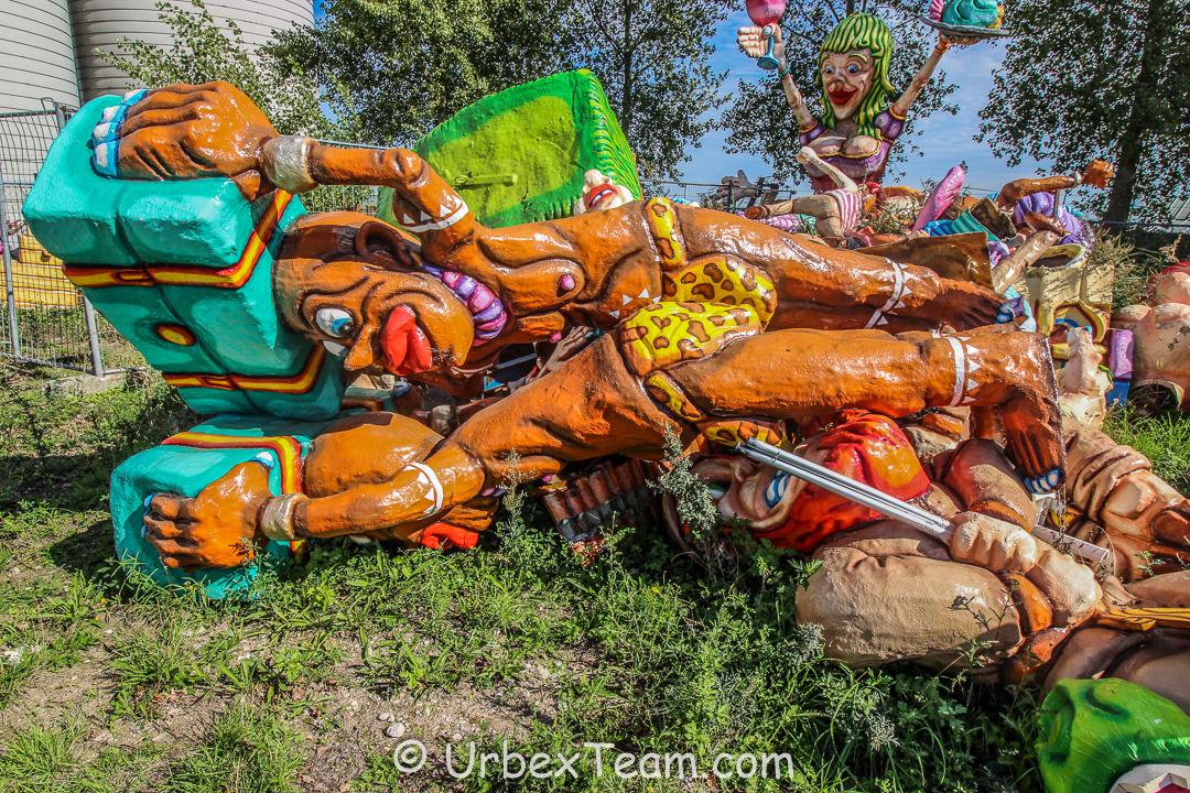 Carnaval Graveyard 12