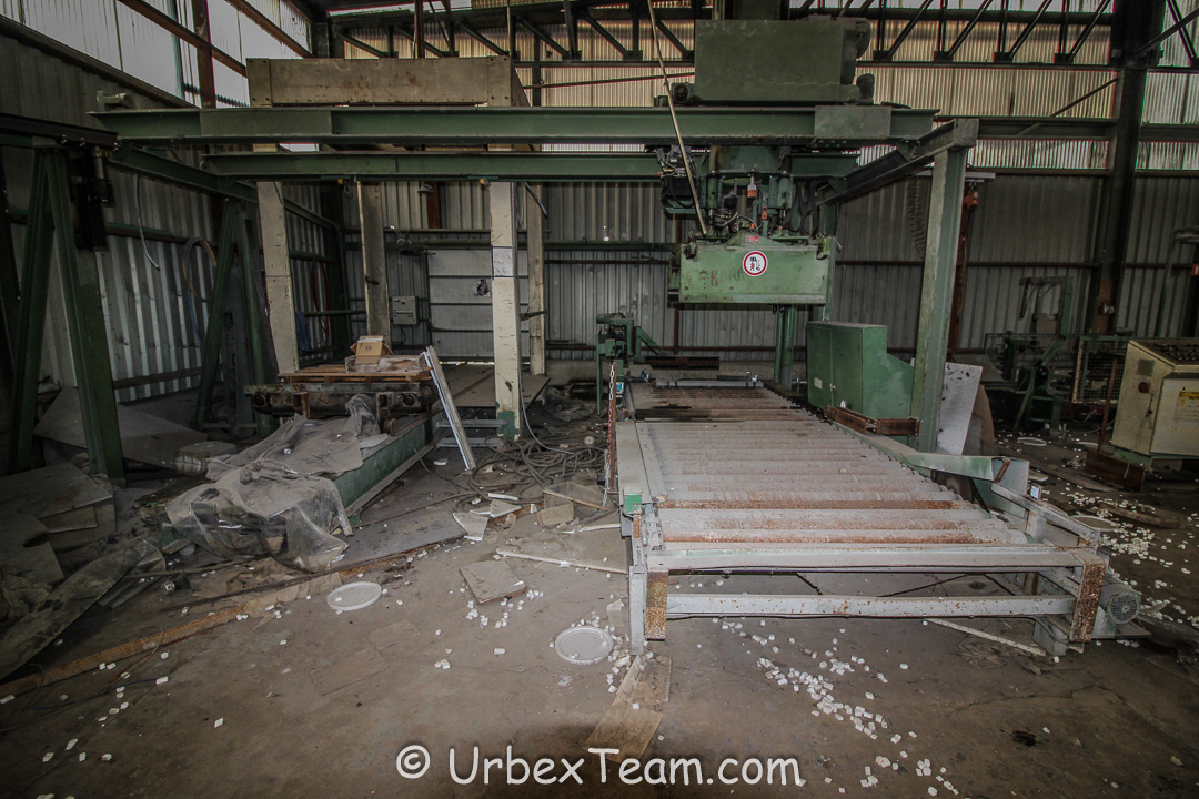 Factory B 5