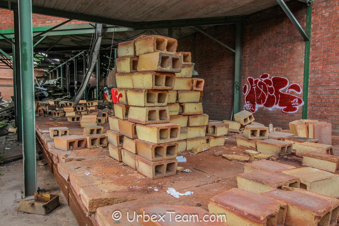 Usine Terracotta 38