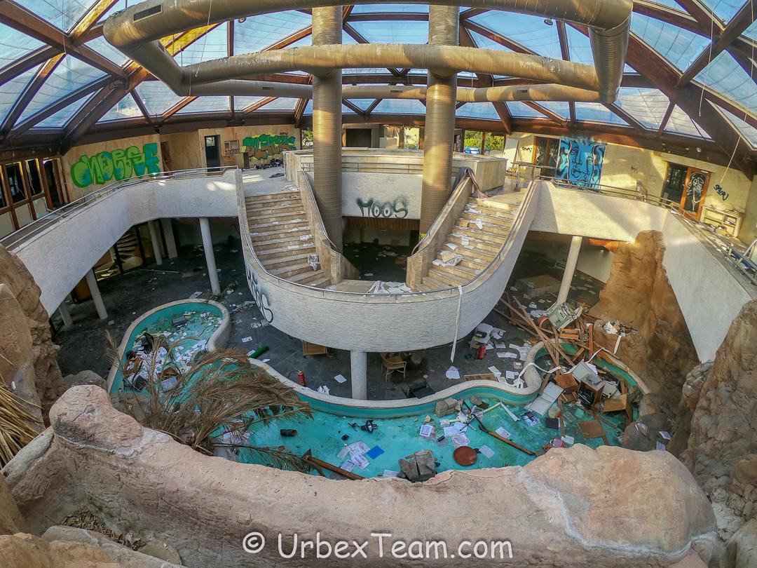 Subtropical Swimming Pool 10