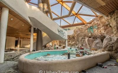Subtropical Swimming Pool