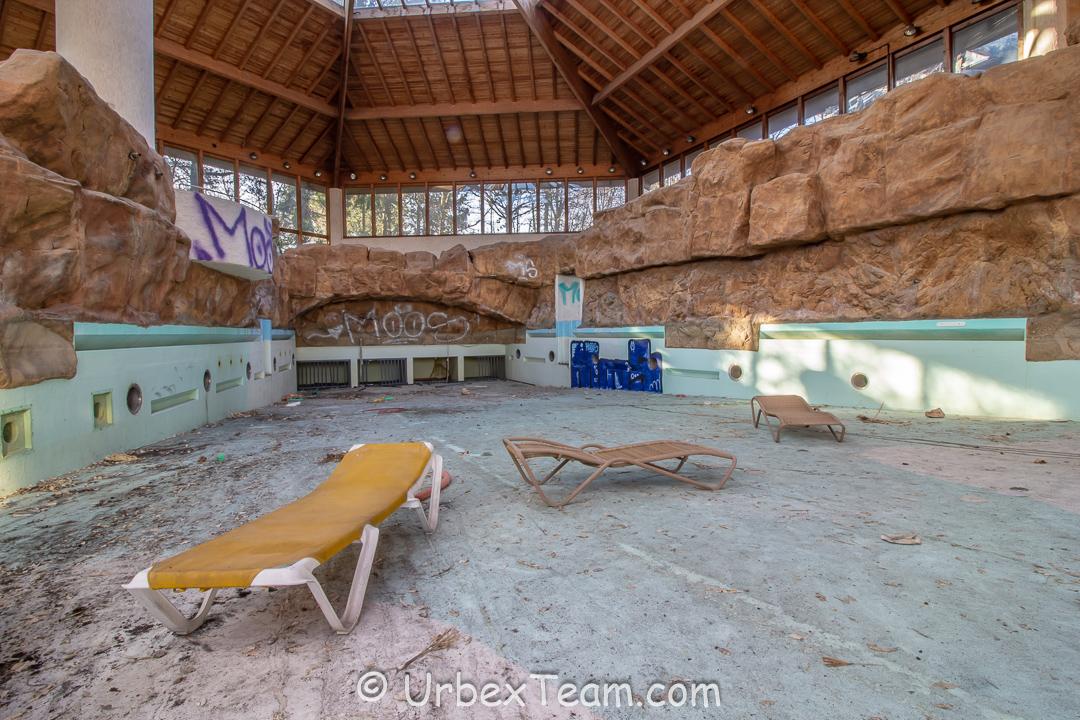 Subtropical Swimming Pool 31