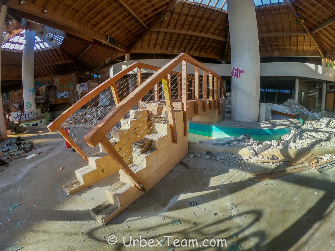 Subtropical Swimming Pool 6