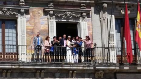 Love in the Plaza Mayor, Madrid.