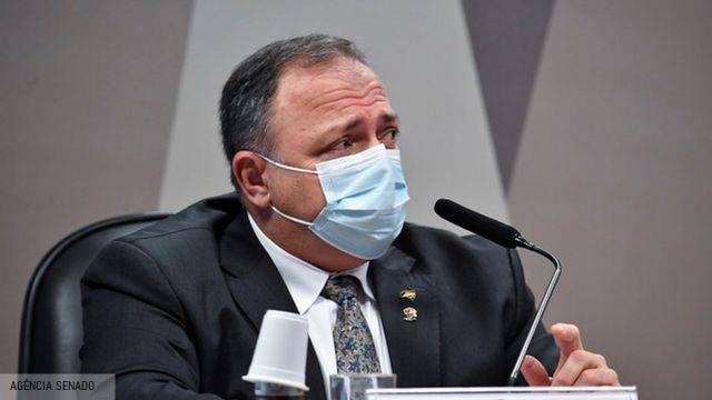 Ex-mulher de Pazuello procura CPI da Covid e quer depor