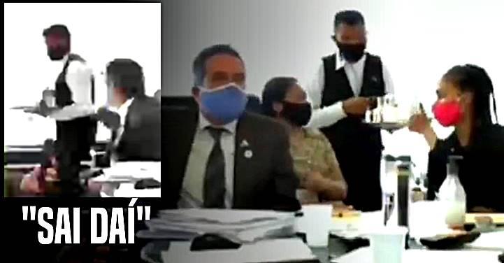"""Jandira Feghali posta vídeo em que Élcio Franco trata mal """"quem está lhe servindo água"""""""