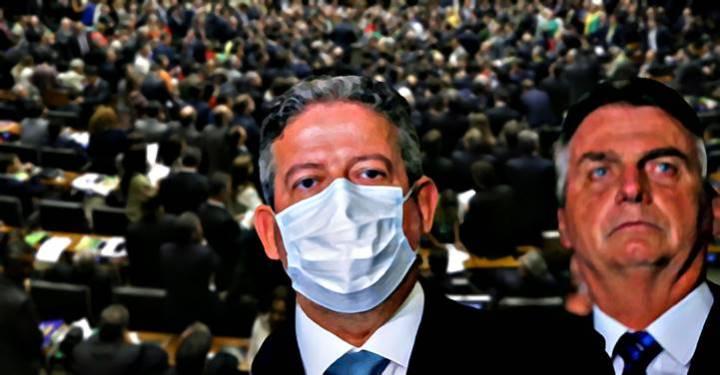 """Folha diz para Lira deixar """"cinismo"""" e abrir impeachment de Bolsonaro: """"Hipócrita!"""""""