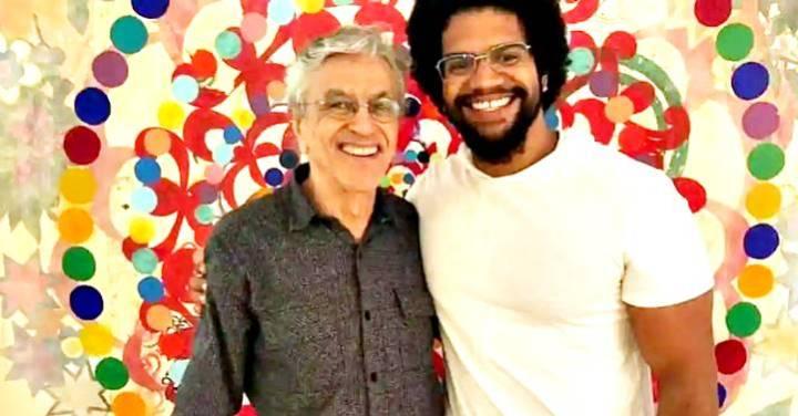 """""""Direita e imperialismo"""" financiam Jones Manuel para """"atacar o PT e Lula diariamente"""", diz historiador"""