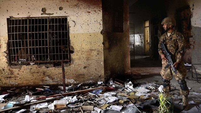 سولہ دسمبر : پاکستان کی تاریخ کا زخموں سے بھرا دن 3