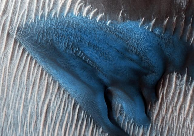 مریخ سیارے کی ناقابلِ یقین تصاویر سامنے آگئیں 2