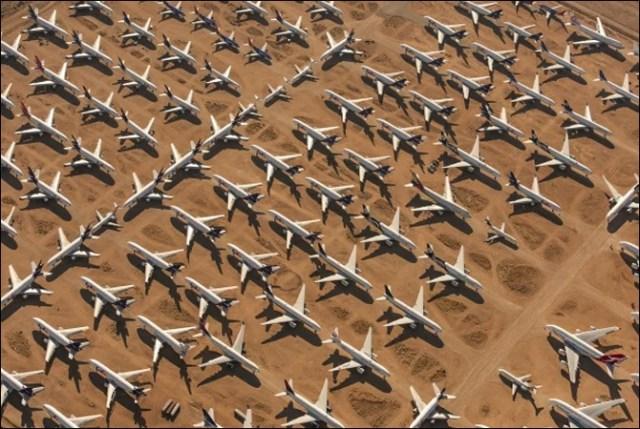 اربوں ڈالر کے سیکڑوں طیارے کھڑے کھڑے ناکارہ ہونے لگے (حیرت انگیز تصاویر) 1