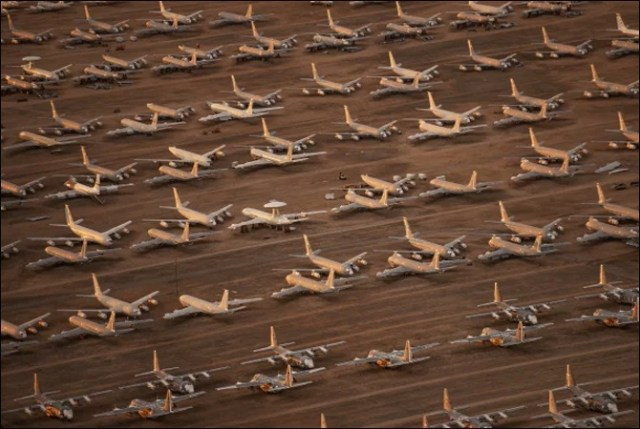 اربوں ڈالر کے سیکڑوں طیارے کھڑے کھڑے ناکارہ ہونے لگے (حیرت انگیز تصاویر) 5
