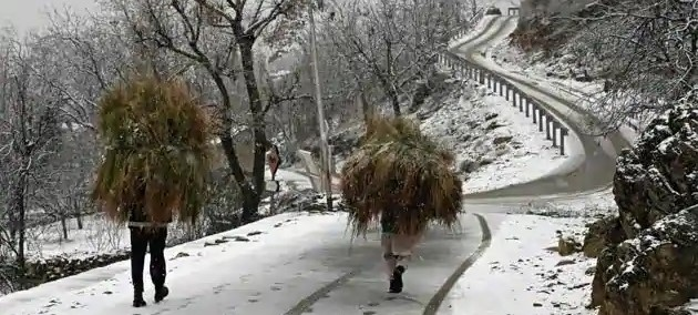 کشمیر: زمستانی ہواؤں کا زور جاری