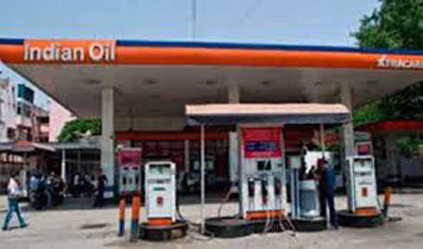 دہلی میں پٹرول 90 روپے سے تجاوز ، ڈیزل 33 پیسے مہنگا ہوا