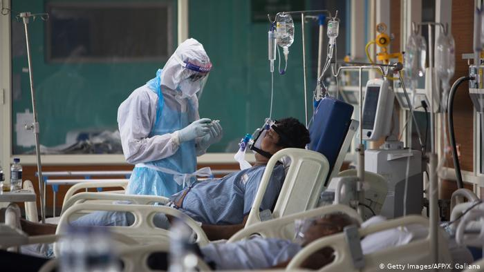 ملک میں جان لیوا کورونا وائرس سے ایک دن میں ریکارڈ 6148 ہلاکتیں