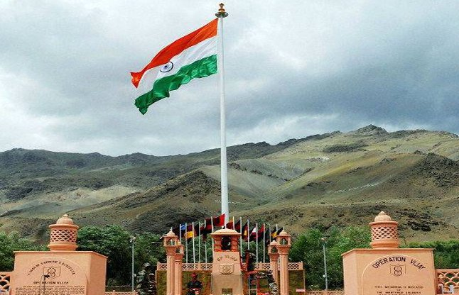 وجے دیوس :وزیر اعظم،نائب صدر ،وزیر دفاع اورراہل گاندھی کا خراج