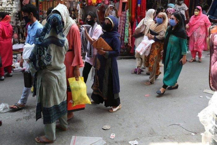 کشمیر: امسال بھی عید الاضحیٰ سے پہلے بازاروں میں روایتی گہماگہمی مفقود