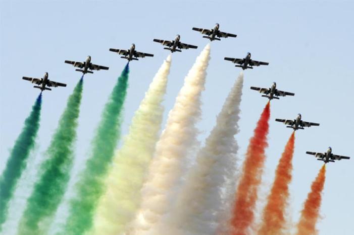سری نگر کے فضاؤں میں طیاروں کی گونج، جھیل ڈل کی فضا میں 'ایئر شو' کی تیاریاں مکمل