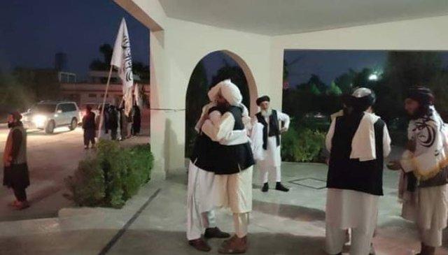 طالبان ذرائع کا کہنا ہے کہ طالبان کے قطر سیاسی دفتر میں موجود قیادت دوحہ سے ہنگامی طور پر قندھار پہنچی ہے جہاں آئندہ کا لائحہ عمل طے کیا جائے گا— فوٹو: سوشل میڈیا
