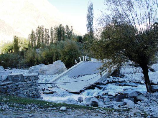 پونیال، 2010 میں سیلاب برد ہونے والے ہائیم پل کا عارضی افتتاح کردیاگیا