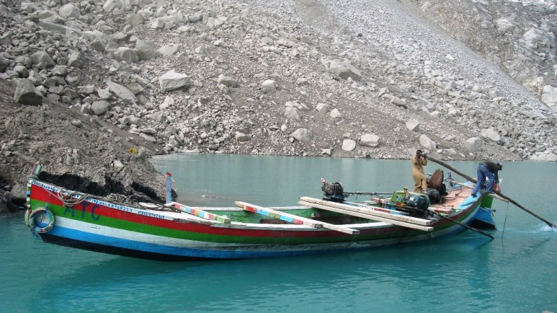 مسگر پاور پراجیکٹ کے لیے سامان لے جاتے ہوے حادثہ، کروڑوں کا سامان دریا برد