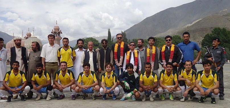 چترال میں ڈویژنل فٹ بال ٹورنمنٹ کا افتتاح،چترال ٹیم نے پشاور ڈویژن کو شکست دے دی