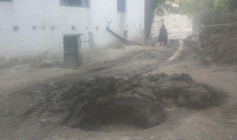 شگر کے دورافتادہ گاؤں رنگا کھور کے باسی بوند بوند پانی کو ترس گئے