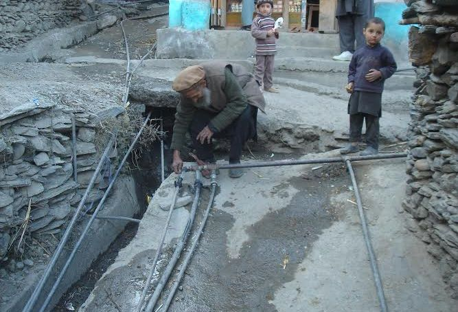 چترال: مضافاتی گاؤں شاہ میران دیہہ کوآلودہ پانی کی فراہمی