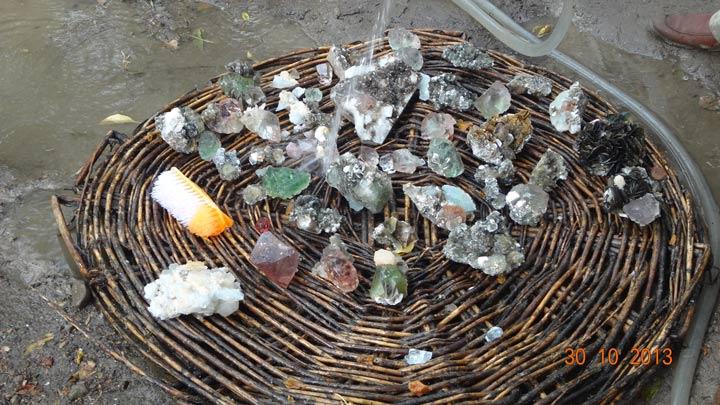 معدنیات اور قیمتی پتھروں کی نقل و حرکت پر پابندی لگانا نا انصافی ہے، تاجروں کا چلاس میں اجلاس