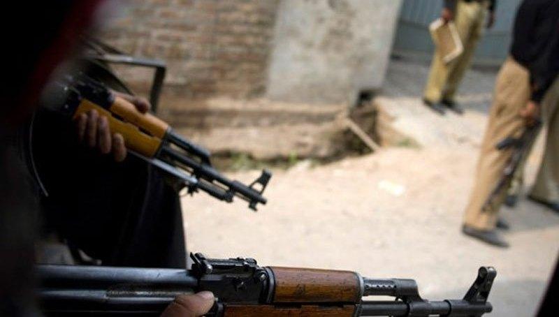 پولیس گردی، دیامر میں اے ایس آئی کے ہاتھوں پی ٹی وی ٹاور کی حفاظت پر مامور اہلکاروں کی پٹائی