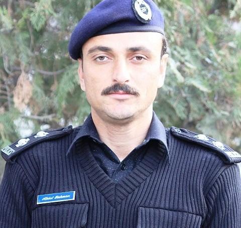 نلتر حادثہ : امدادی کارروائی کے دوران پولیس جوانوں کا مثالی جرات کا مظاہرہ ، سب انسپکٹر عبدالرحمن مہمانوں کو بچانے شعلوں میں کود گئے