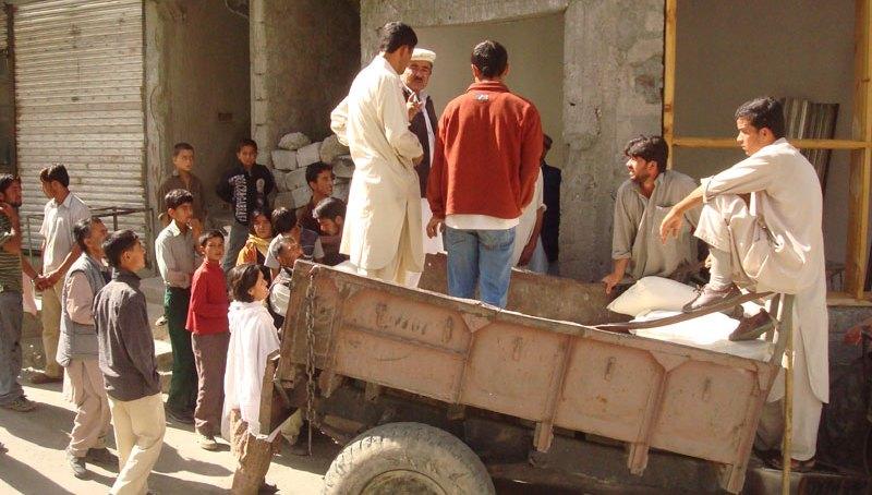 کریم آباد ہنزہ میں آٹا کمیاب، دو مہینوں میں آٹے کا ایک تھیلا حاصل کرنا مشکل ہوگیا، لڑائی جھگڑے معمول بن گئے