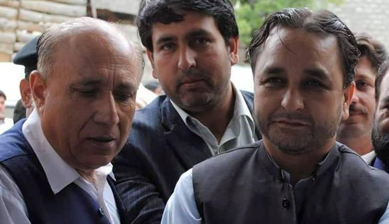 ہنزہ: مسلم لیگ ن کے ضلعی صدر جان عالم ہنزہ میں بجلی بحران پراپنے حکومت کے خلاف پھٹ پڑے