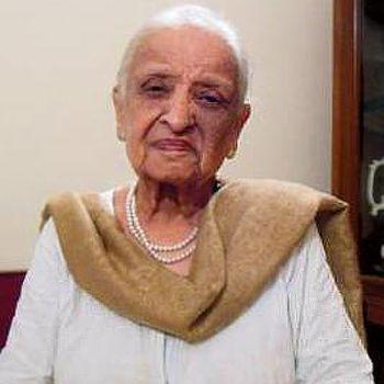 مشہور و معروف ادیبہ فاطمہ ثریا بجیا پچاسی برس کی عمر میں انتقال کر گئی