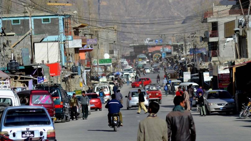 ہنزہ کے علاقے شناکی میں ٹرانسپورٹرز کی من مانیاں جاری، سرکاری نرخ نامہ ماننے سے انکار
