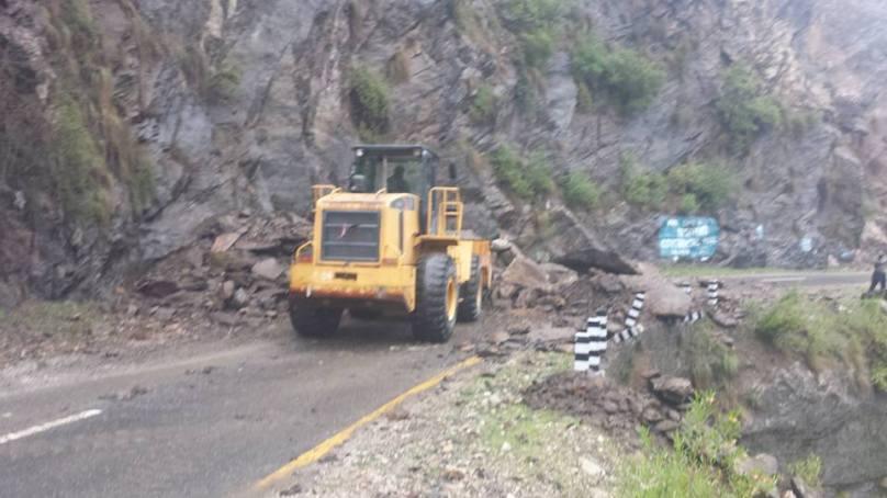 شاہراہ قراقرم کی بدنش سے گلگت بلتستان کا ملک کے دیگر علاقوں سے رابطہ منقطع