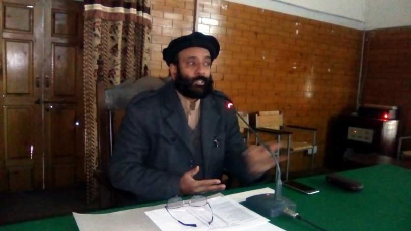 چترال : عوامی مفاد کے منصوبوں میں کوئی کوتاہی برداشت نہیں کی جائے گی۔کنوئنیر تحصیل کونسل چترال خان حیات اللہ خان