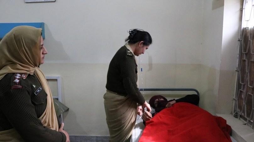 پاک آرمی اور چترال سکاوٹس کی طرف سے نسوانی امراض کے علاج کیلئے فری میڈیکل کیمپ دو بارہ شروع