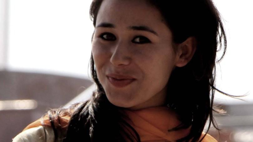 گلوکارہ عیزی بیگ کا شینا زبان میں پہلا البم گزشتہ ہفتے ریلیزہوا