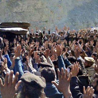 کوہستان: شتیال میں ضلعی انتظامیہ کے ساتھ مذاکرات کے بعد متاثرین دیامر بھاشاڈیم نے چار روز سے جاری دھرنا تین دن کیلئے موخرکردیا