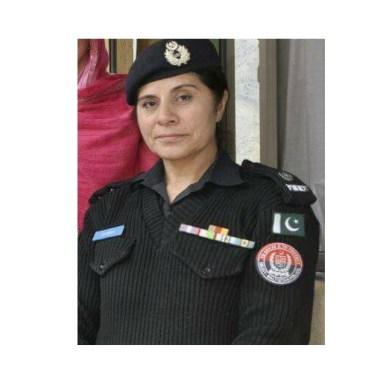 ٹریفک پولیس قانون شکن عناصر کے خلاف کاروائی اور قانون سے متعلق آگاہی پھیلانے میں مصروف ہے، ایس پی طاہرہ یعصوب