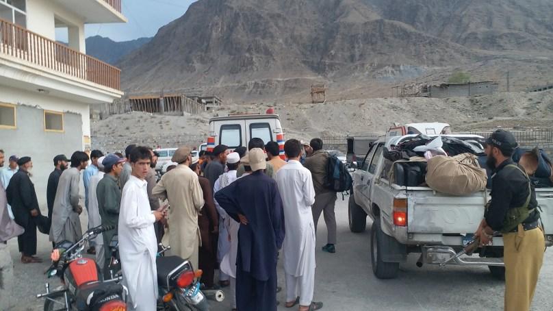 شاہراہ بابوسر پر ایک اور حادثہ، ایک سیاح جان بحق، چودہ زخمی ہوگئے