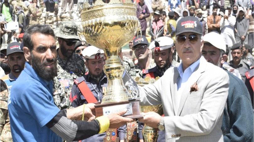 پاک فوج حکومت کے ساتھ مل کر امن اور سیاحت کے فروغ کے لئے کام کرے گی، لیفٹیننٹ جنرل نذیر احمد بٹ کمانڈر الیون کور