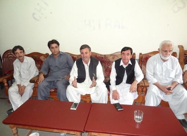 چترال کے عوام بلاول بھٹو کے جلسے میں پارٹی وابستگیوں سے بالاتر ہوکر شرکت کریں گے۔سلیم خان اور سردار حسین کی پریس کانفرنس