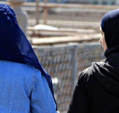 عورت کی شلواراور دوپٹے سے لٹکی قومی وقار