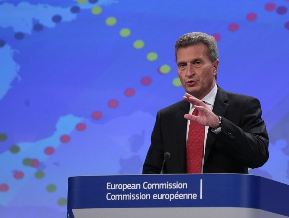 Комисарят по енергийните въпроси в ЕК, Гюнтер Йотингер. Снимка: EPA/БГНЕС
