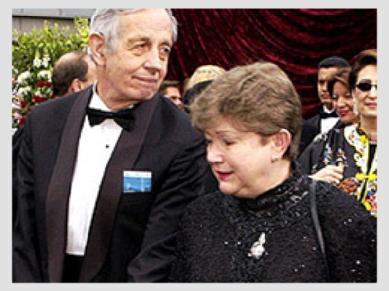 Джон Наш заедно със съпругата си Алисия Лопес Харисън де Ларде Наш