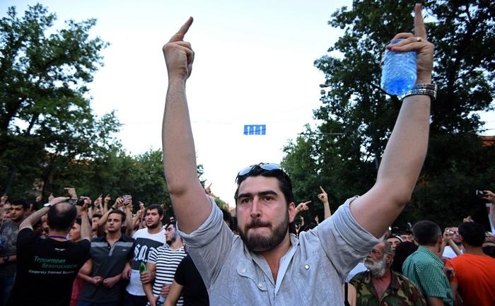 ARMENIA-POLITICS-PROTEST
