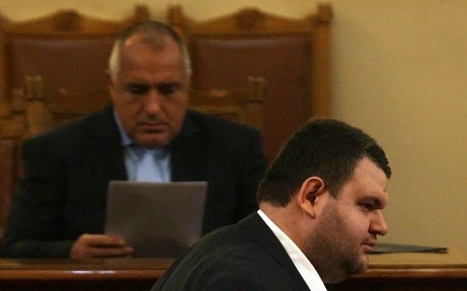 Бойко Борисов и Делян Пеевски в Народното събрание. Снимка: БГНЕС